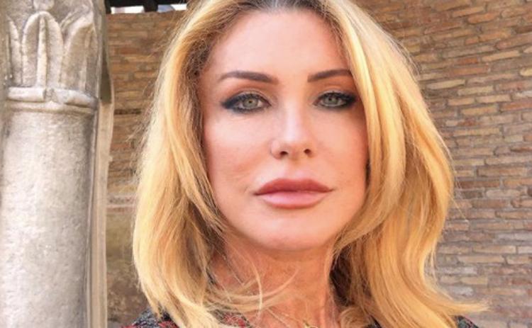 Chi è Paola Ferrari: Biografia, Età, Malattia, Marito e Instagram