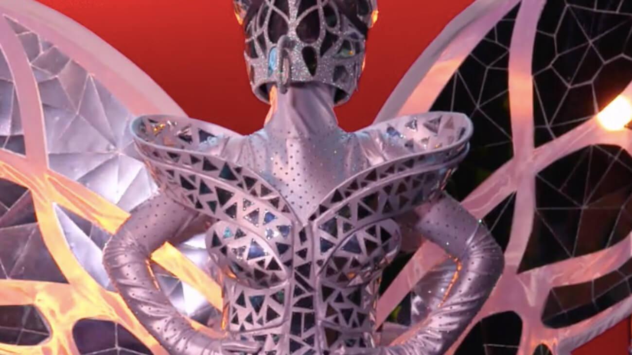 Chi è Farfalla Il Cantante Mascherato 2021? Indizi e Identità della Maschera