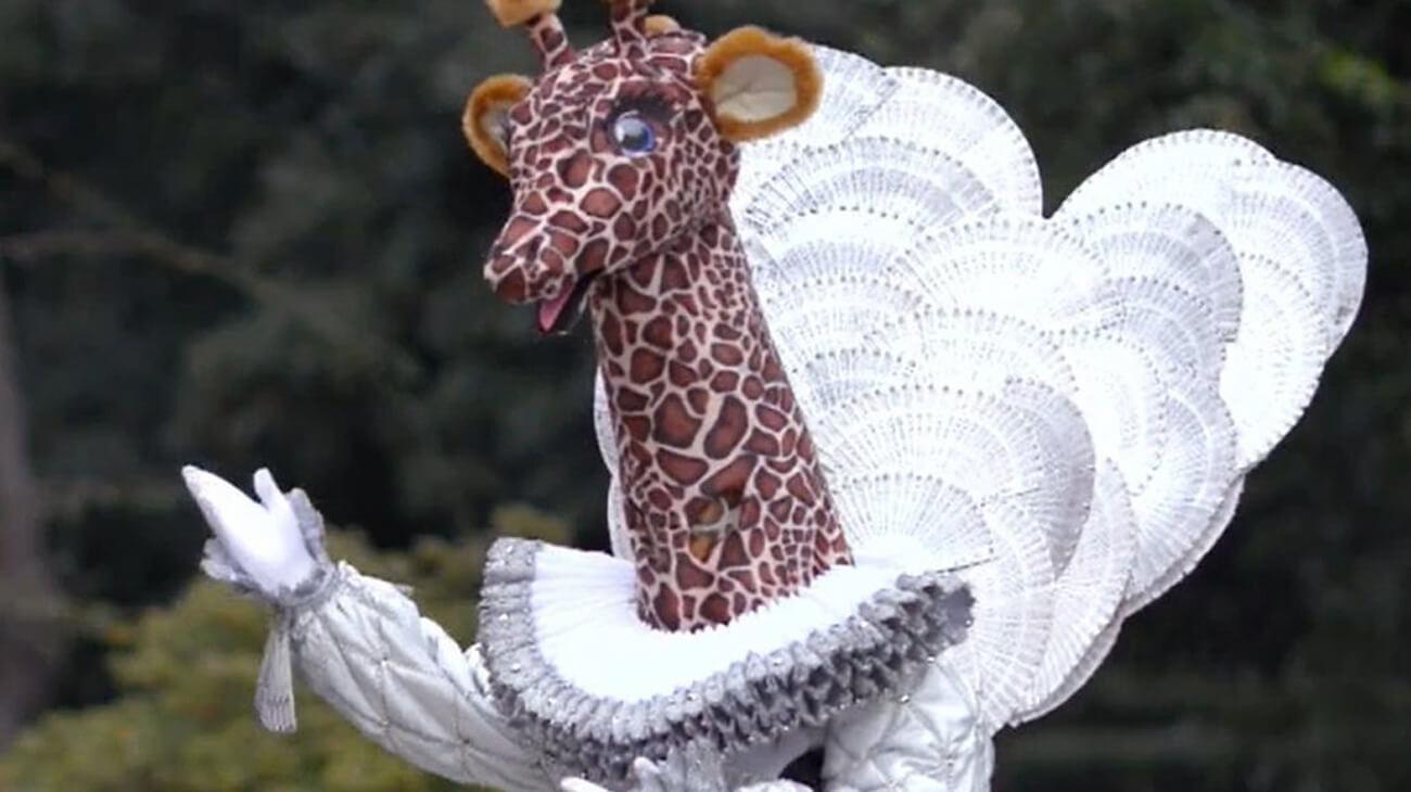 Chi è Giraffa Il Cantante Mascherato 2021? Indizi e Identità della Maschera